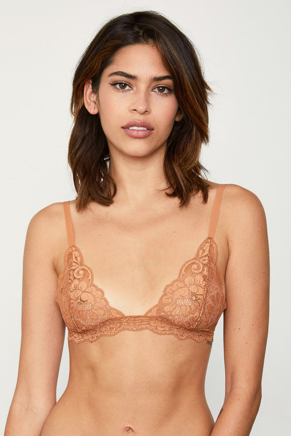 Brown lacy bralette | Model is wearing size S