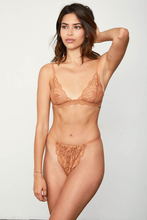 brown high waisted vintage-inspired lacy panty | Model is wearing Size S