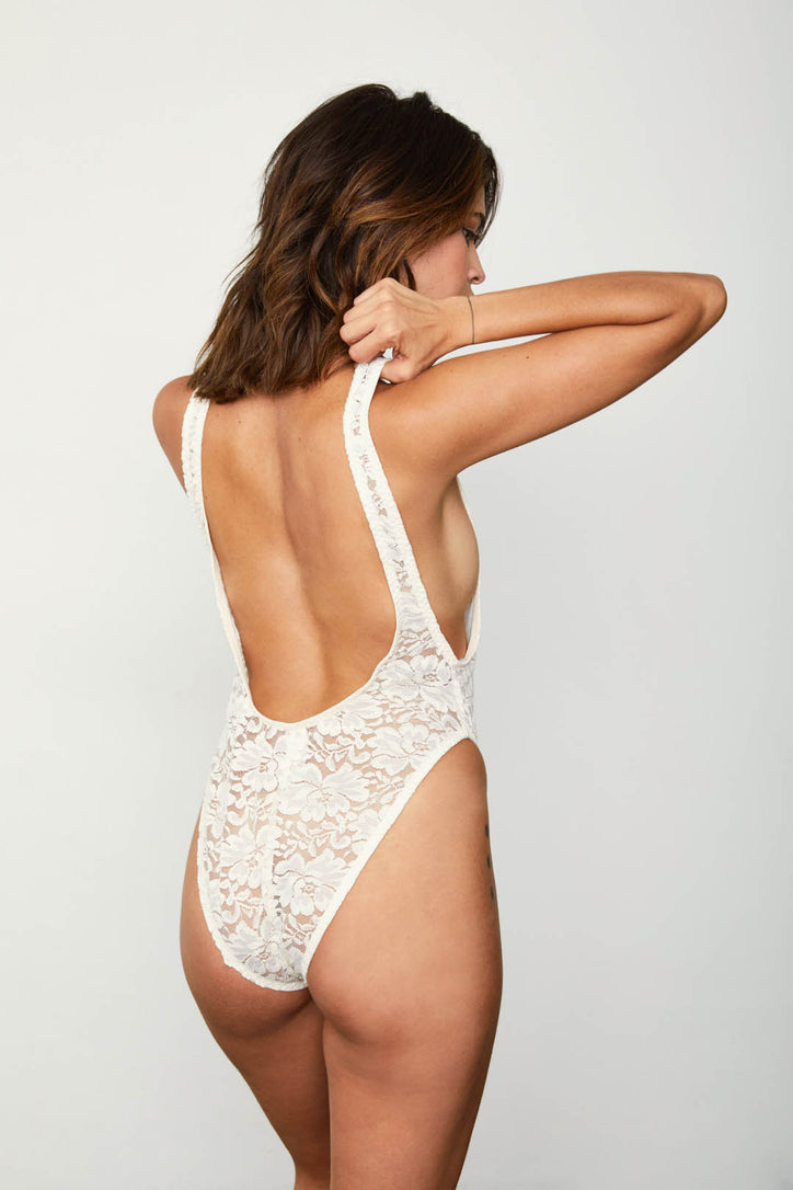 Cream-white sexy lace vintage-inspired & open-back bodysuit.