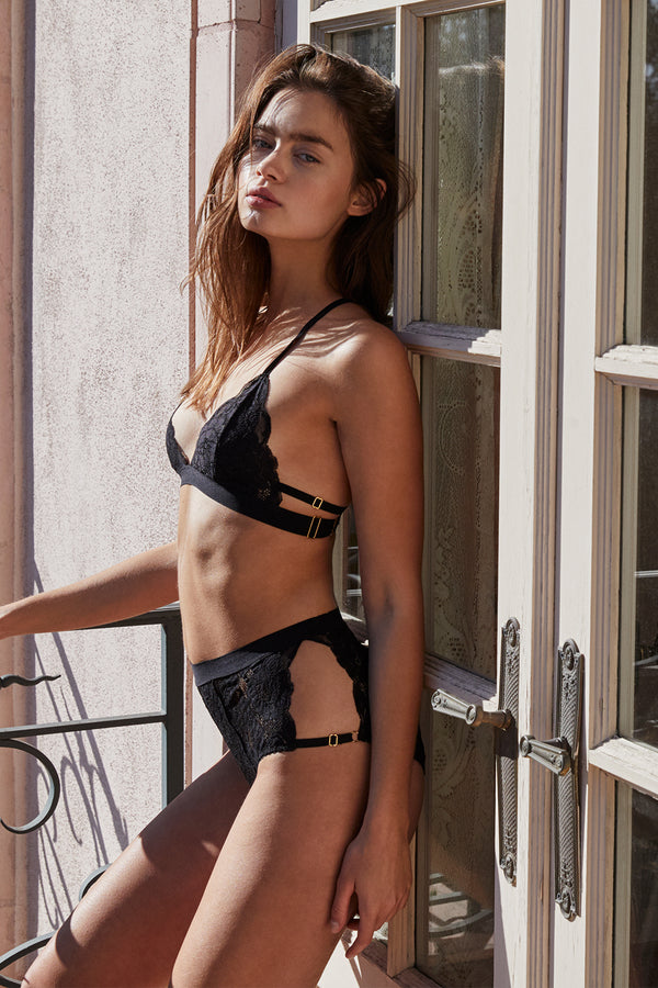 black hi-waisted lace panty with full coverage
