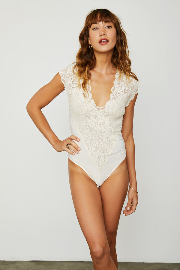 creme lace stretch knit v neck bodysuit