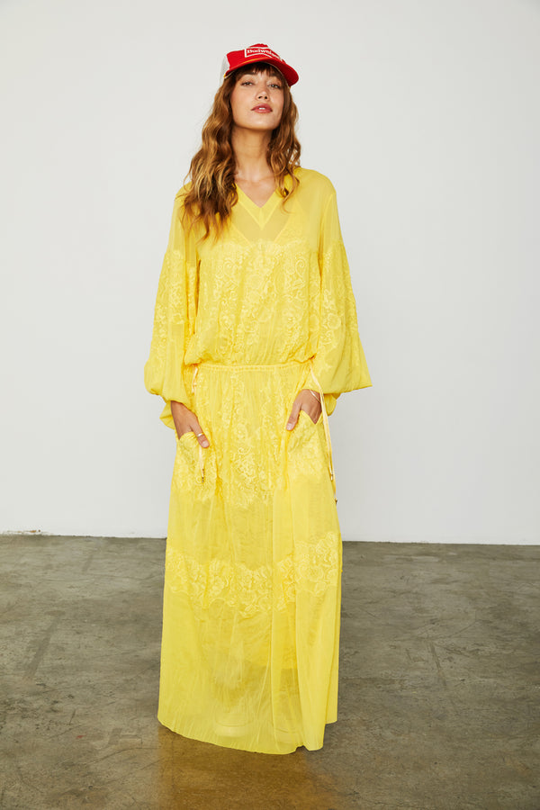 yellow loose fitting mesh and lace maxi dress v back machine washable| Model is wearing Size XS/S