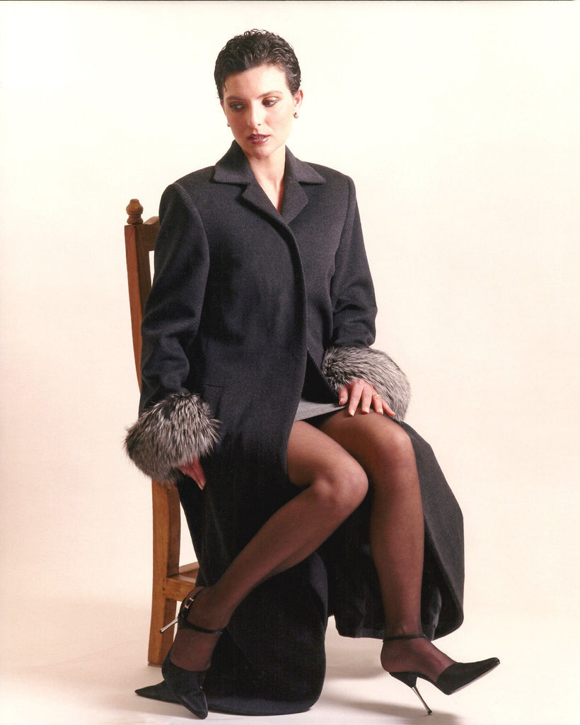Fitted straight cashmere coat