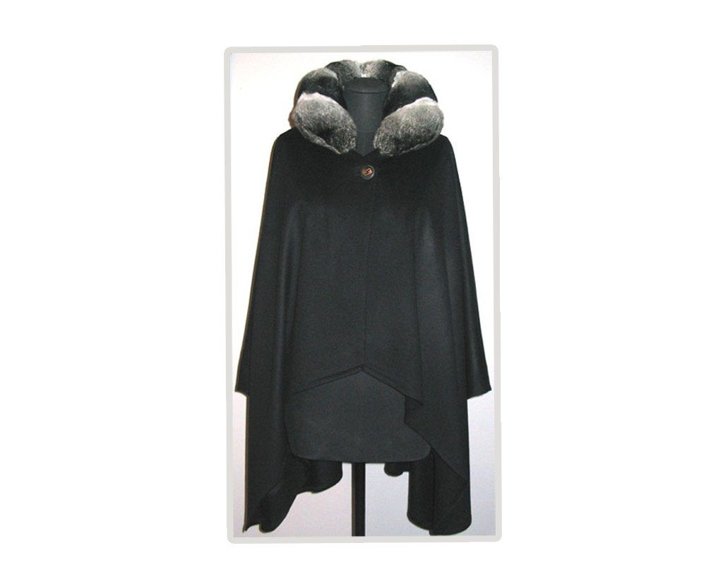 Cashmere cape with chinchilla collar