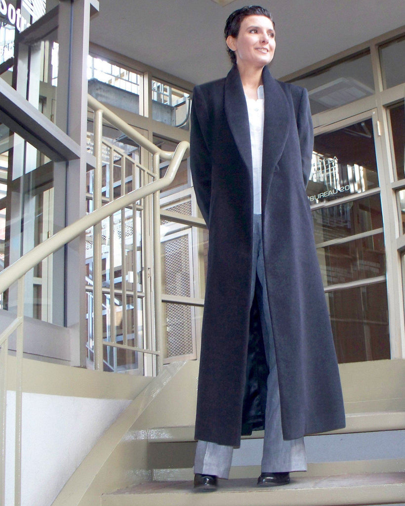 Cashmere coat with a shawl collar