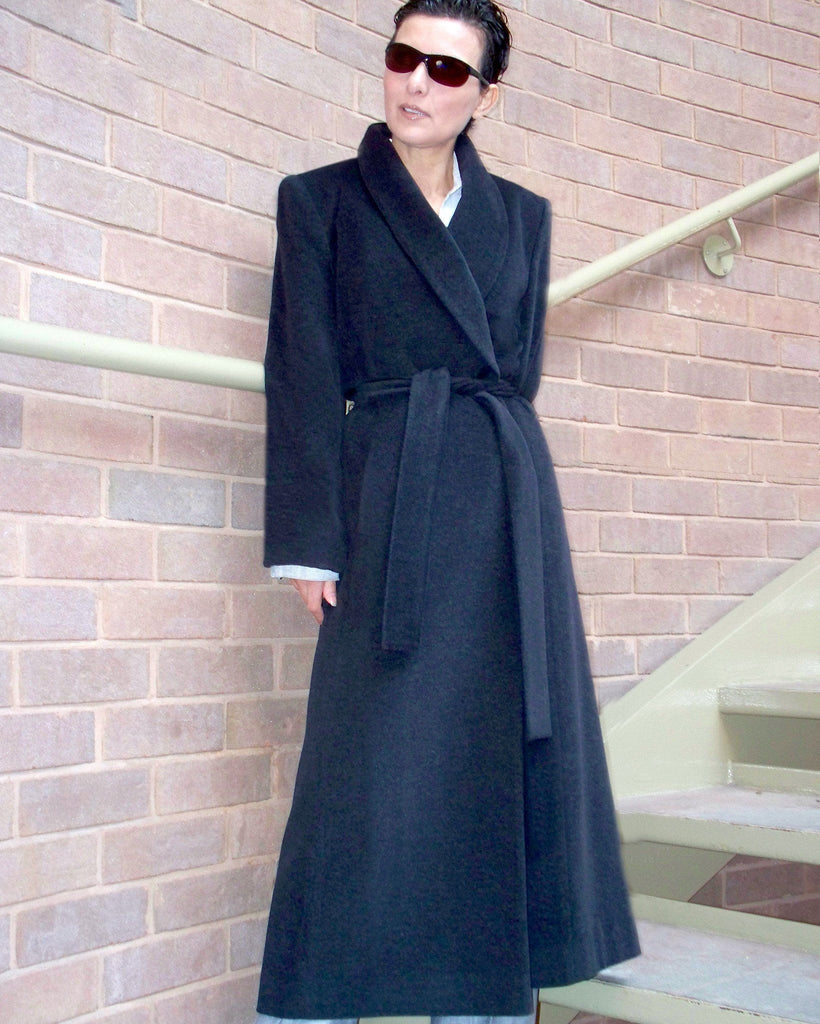Classic cashmere coat with a belt.