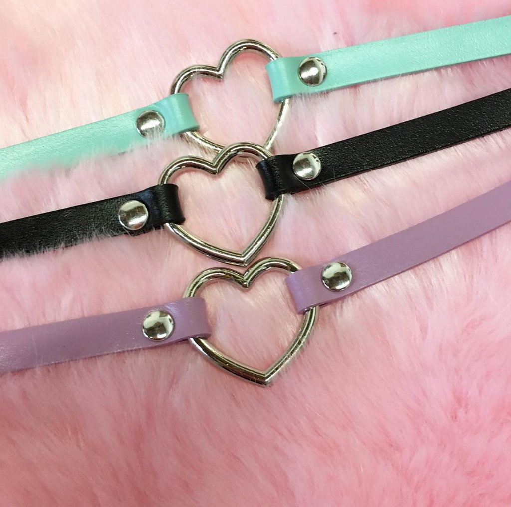 2 YEAR ANNIVERSARY SALE-VEGAN SKINNY LIMITED ITEMS-HEART CHOKER
