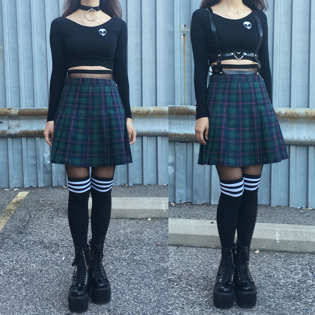 NEW- 90s grunge GREEN PLAID OUTFIT