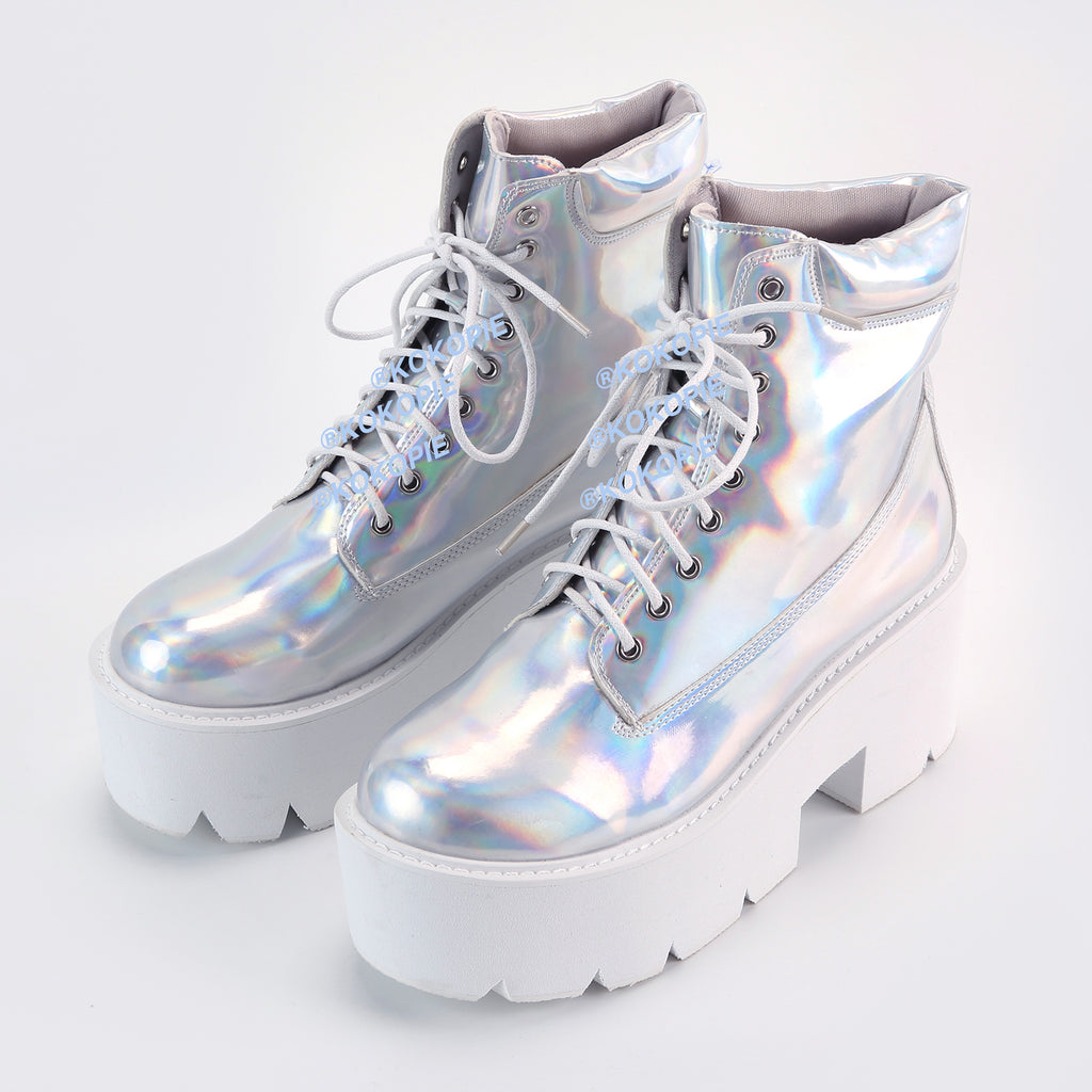 LAST CALL - TUMBLR HOLO SILVER boots