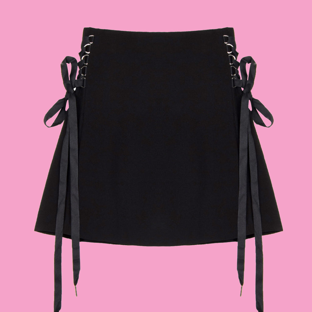 2018 Kawaii Goth-Pleated lace up skirt