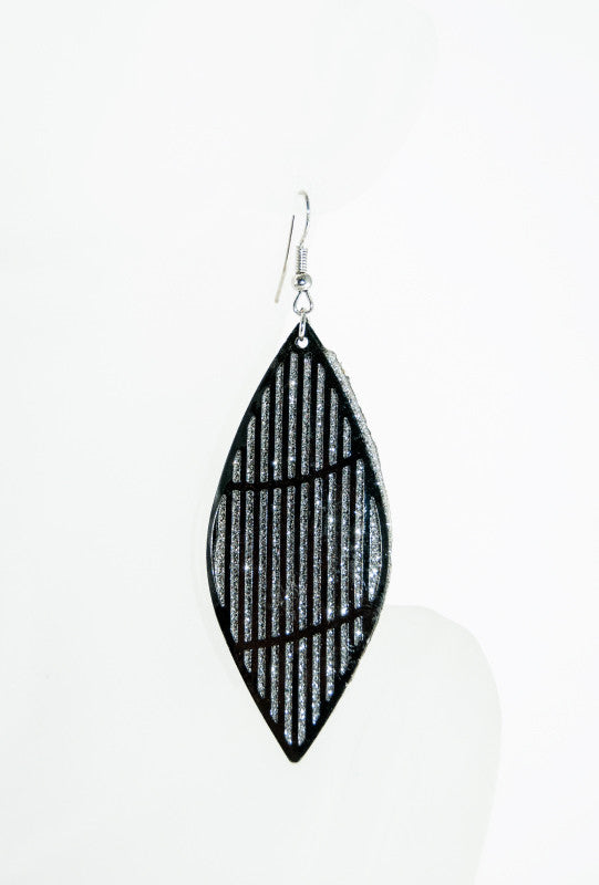 Black dangler earrings - Desi Royale