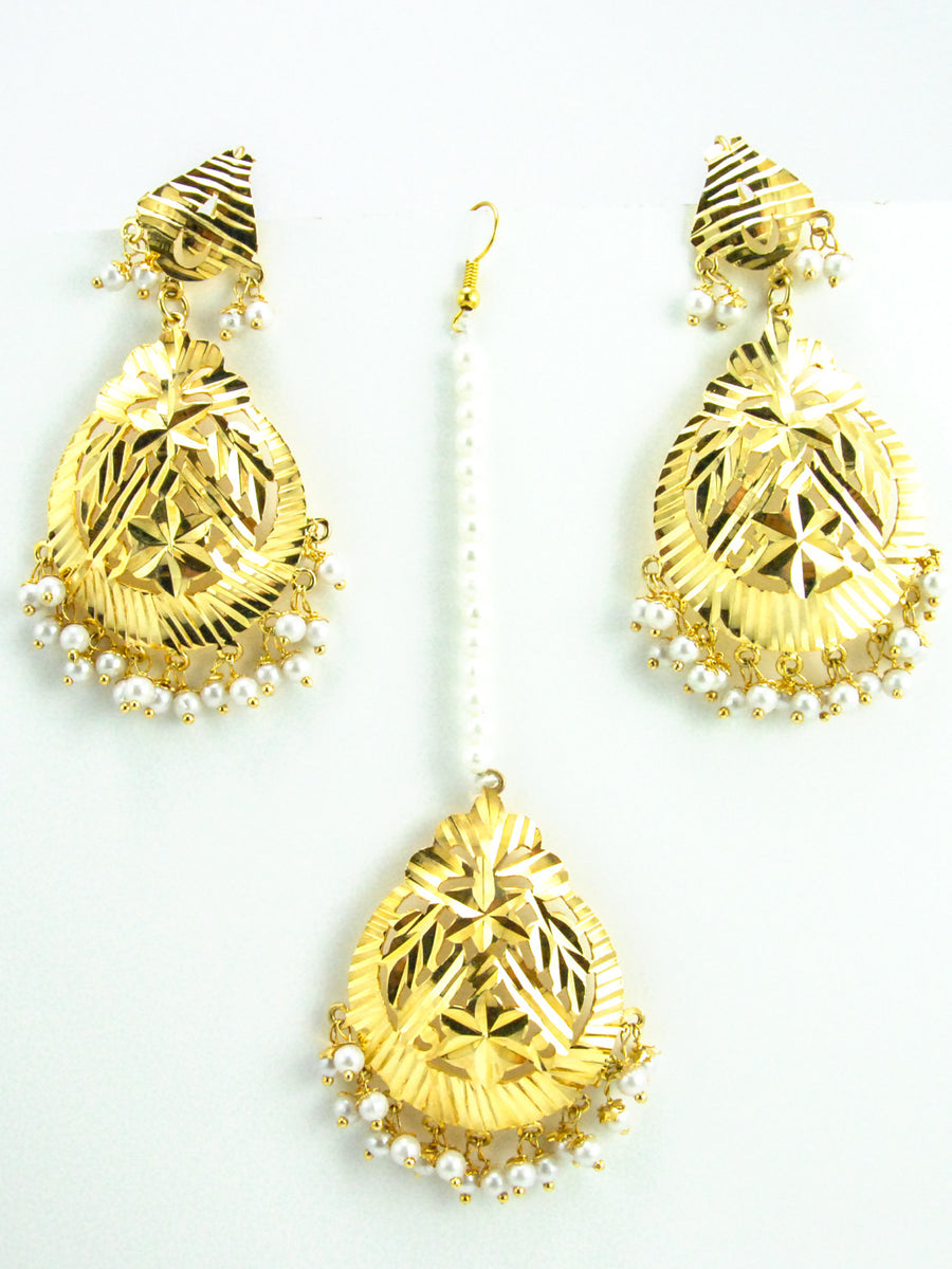 Flower Earrings and Mang Tikka Set with Pearls - Desi Royale