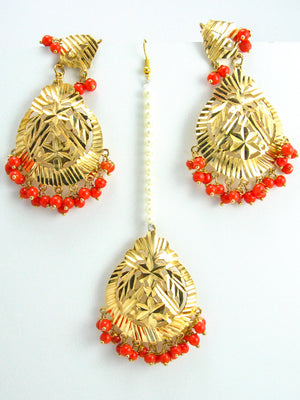 Flower Earrings and Mang Tikka Set with Orange beads - Desi Royale