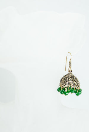 Gold metal earrings with green beads - Desi Royale