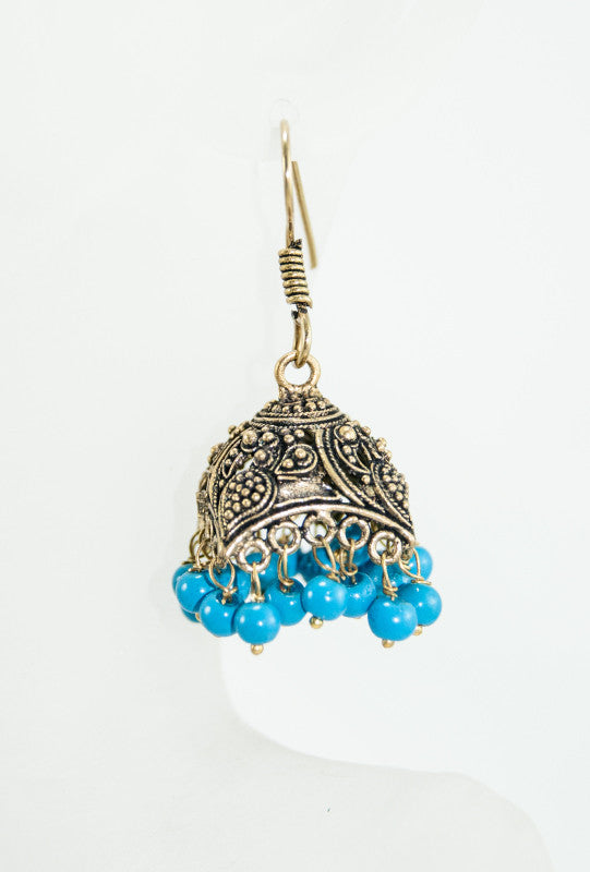 Gold earrings with turquoise beads - Desi Royale
