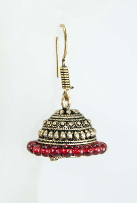 Gold metal earrings with red beads - Desi Royale