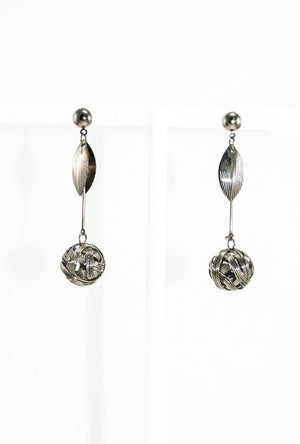 Dangling earrings - Desi Royale