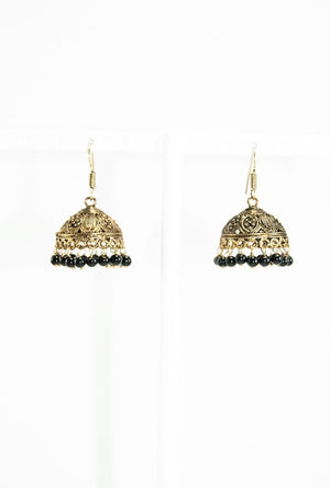 Gold metal earrings with black beads - Desi Royale