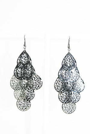 Black oval dangle earrings - Desi Royale