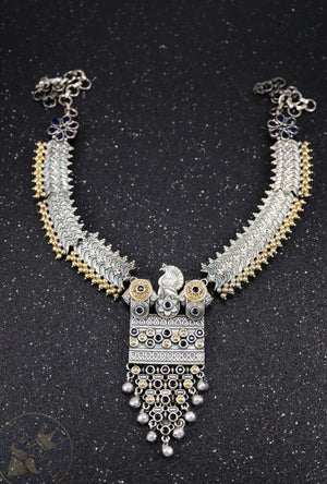 Silver necklace with gemstones - Desi Royale