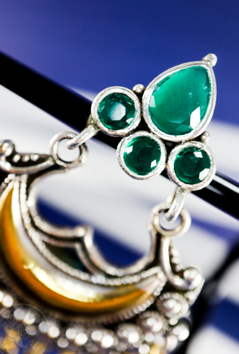 Silver earrings with Emerald stones - Desi Royale