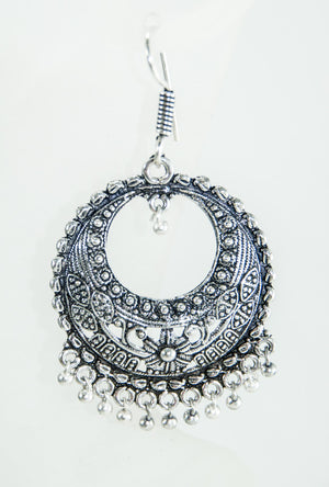 Silver round earrings - Desi Royale