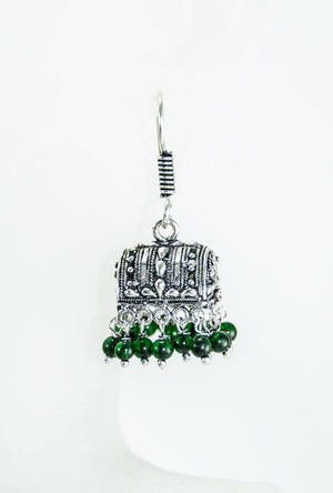 Black metal earrings with green beads - Desi Royale