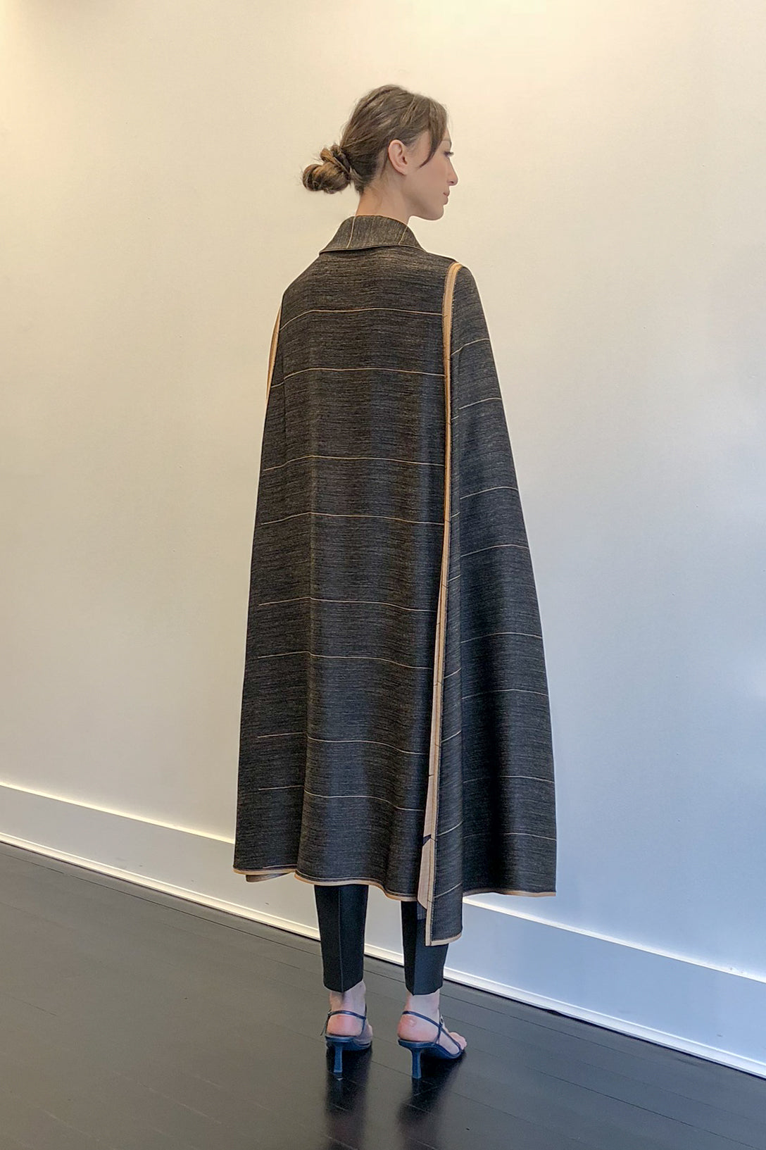 Osiris Reversible Cape | CARL KAPP