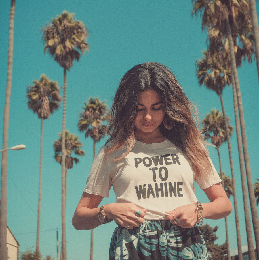 TEE POWER TO WAHINE - MOONSTRUCK