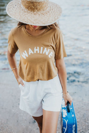 TEE WAHINE - GOLDEN OLIVE