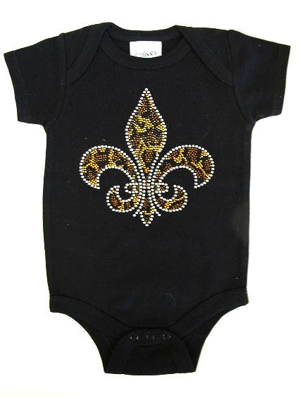 Designer short sleeve onesie with 3button bottom snap LEOPARD FLEURDELIS - Fierce Berry - Infant - Olive & Pique - 1
