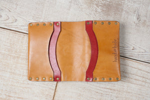 Medium Wallet Riveted | Tan & Red