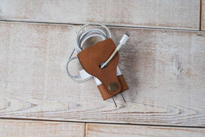 Hand and Hide Leather Cord Organizer for Samsung Chargers USA Plug in Honey Brown