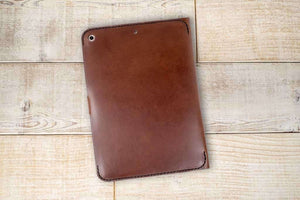 iPad 9.7 Classic Leather Tablet Case