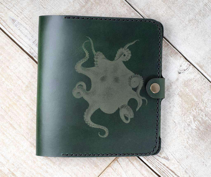 hand and hide kindle oasis 2 leather tablet case in green with octopus engraving