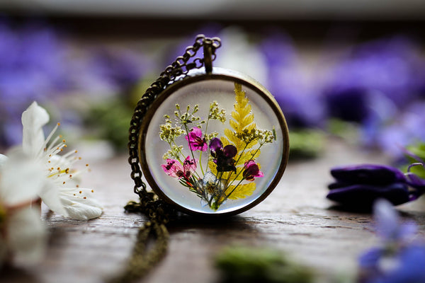 Medium wildflower meadow pendant