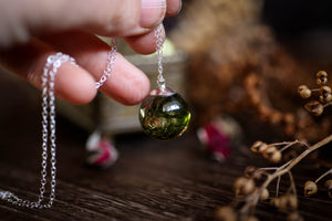 Forest moss droplet necklace