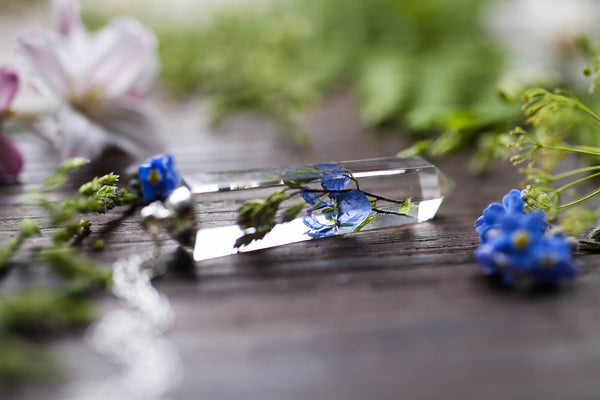 Wildflower crystal pendant with Germander Speedwell