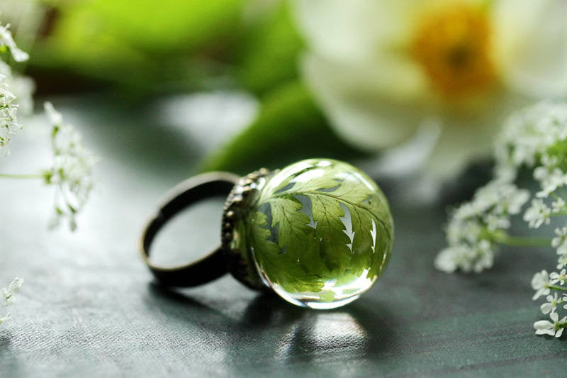 Green forest fern leaf ring with adjustable band