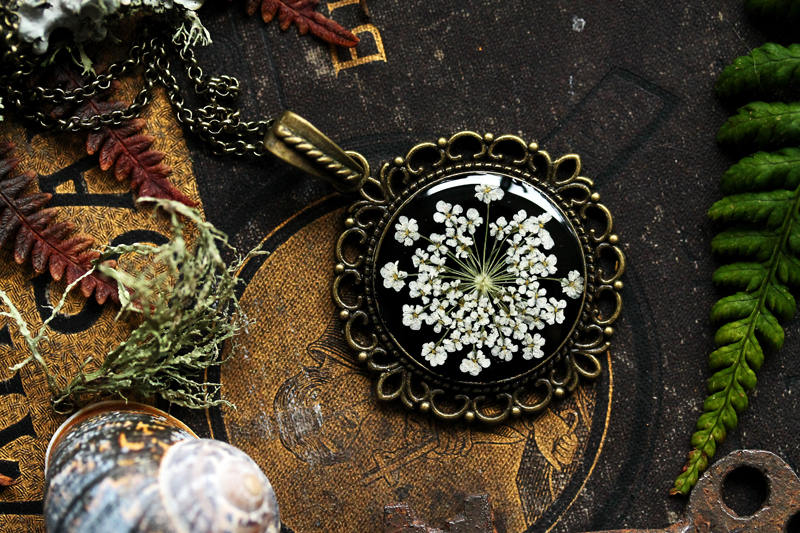Victorian style Queen Annes Lace, pressed wildflower pendant