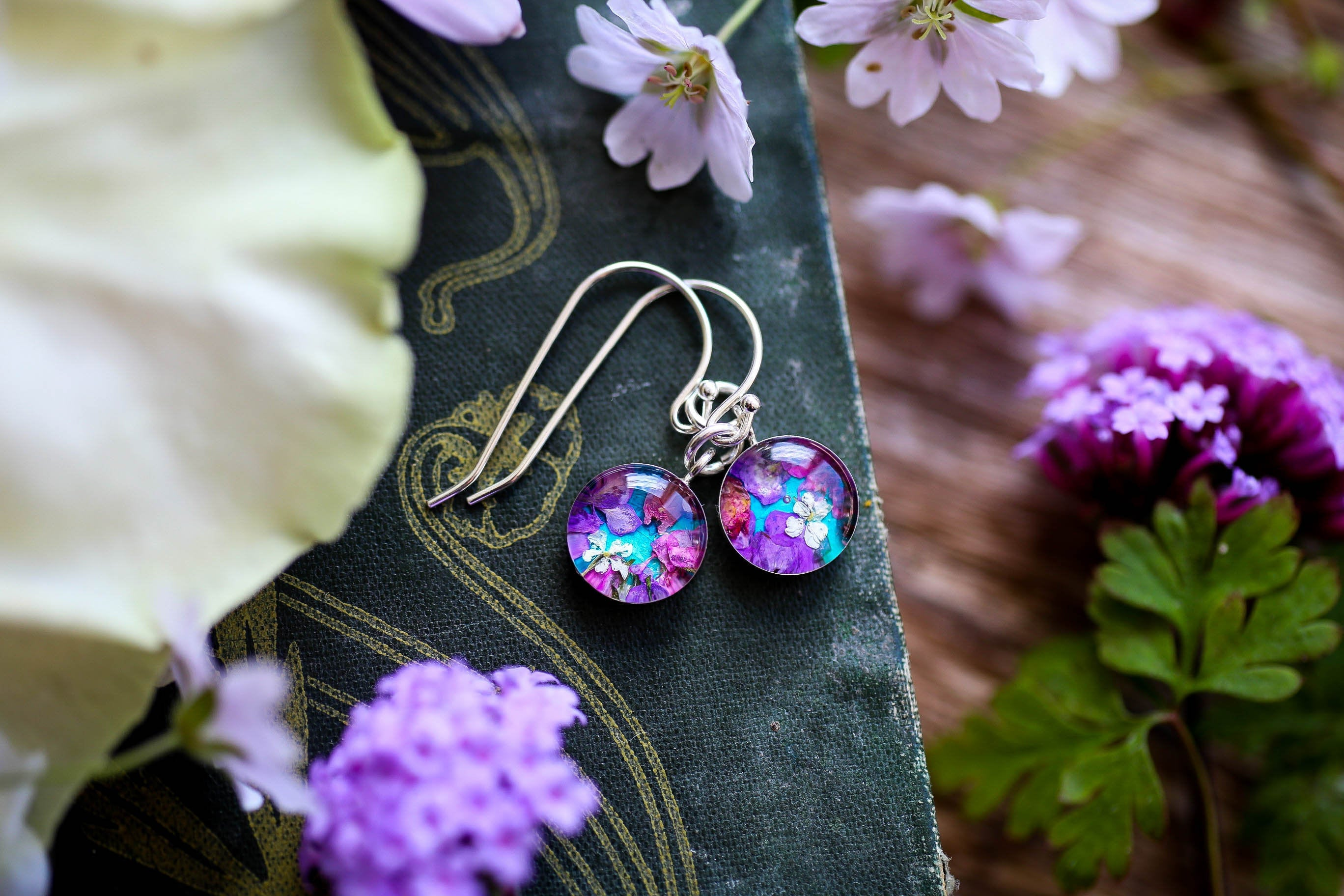 Turquoise blue flower confetti drop earrings
