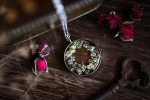 pressed flower necklace resin jewellery
