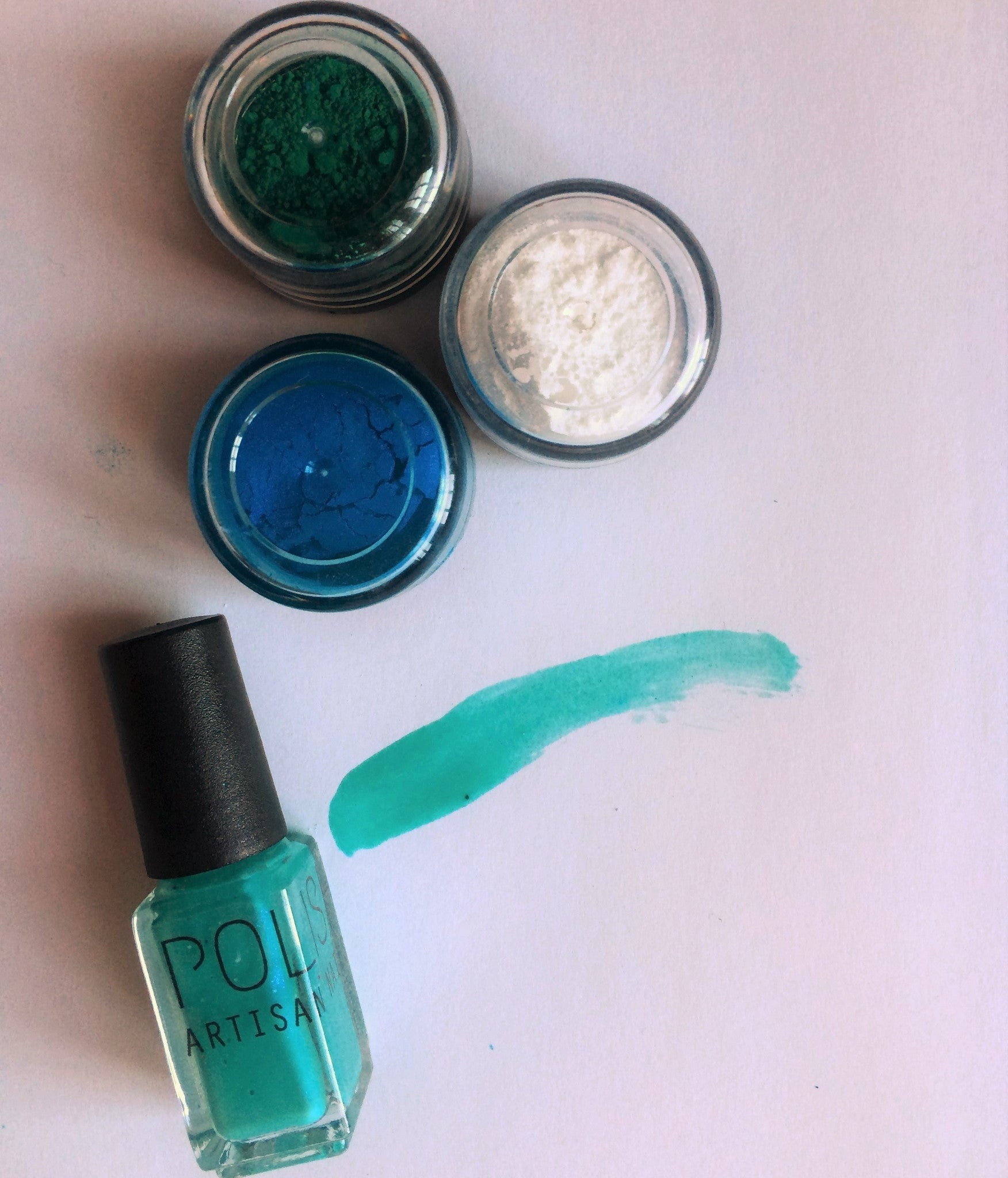How to make the perfect turquoise nail polish color