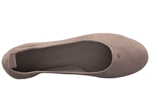 1a83f45727d ... TORY BURCH THERESE BALLET FLAT (DUST STORM)
