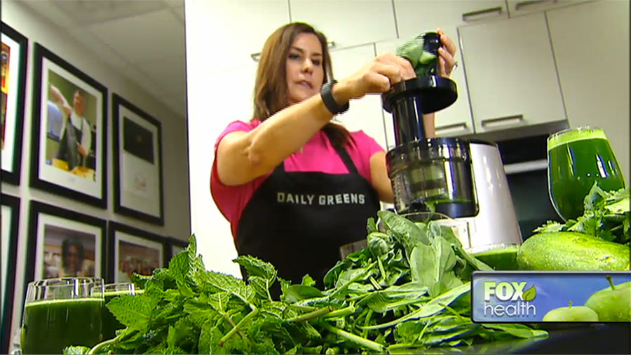 Shauna Martin uses Hurom to juice vegetables