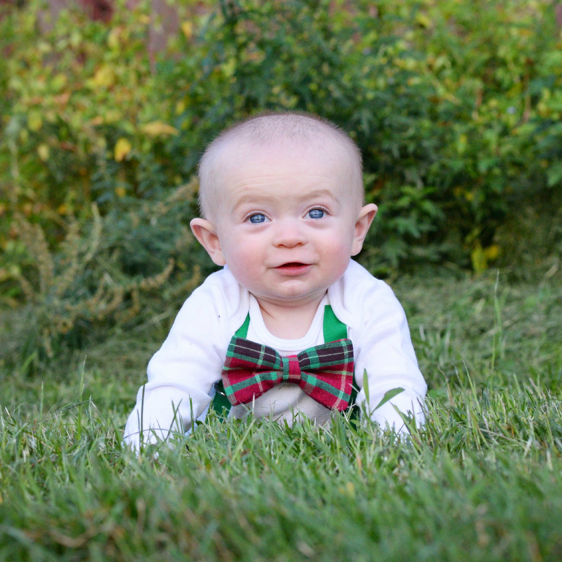 7 Baby Boys' First Christmas Outfits (& 7 places to wear them!)