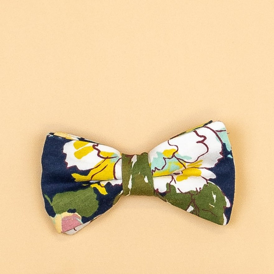 Cuddle Sleep Dream Floral Snap On Bow ties