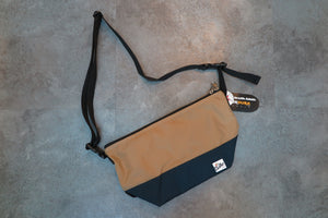 "Drifter Are Way Pouch Medium ""Made in USA"" - Tan/Midnight Navy #DF1270-Bag-Navy Selected Shop"