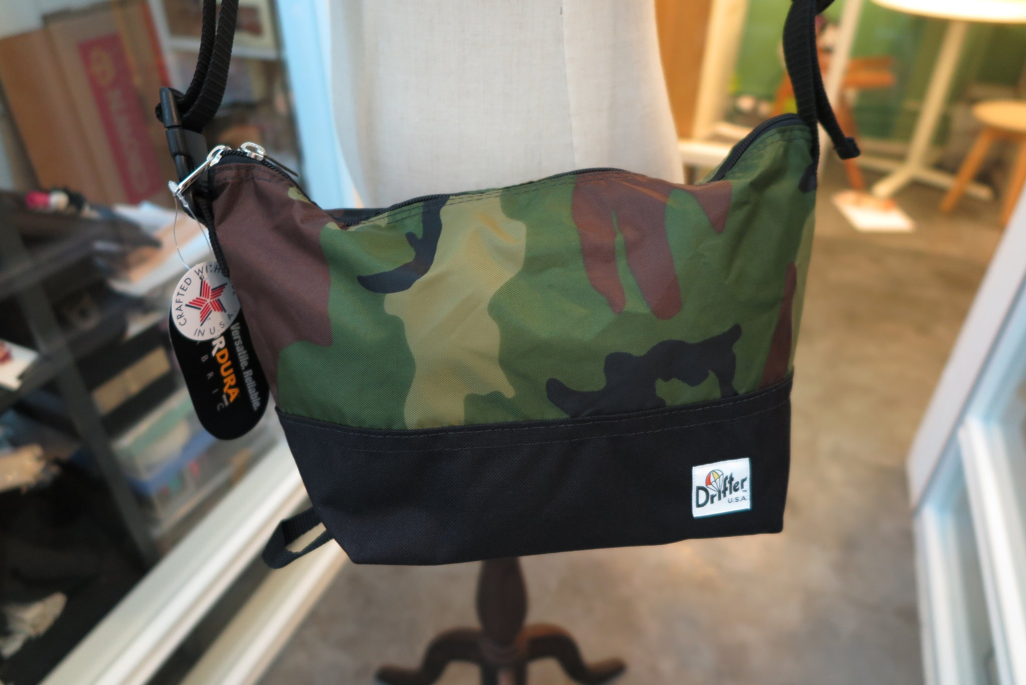 "Drifter Are Way Pouch Medium ""Made in USA"" - Woodland Camo/Black #DF1270-Bag-Navy Selected Shop"