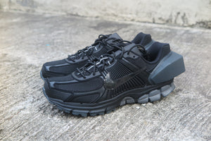 A-COLD-WALL* x Nike Zoom Vomero 5 - Black/Reflect Silver/Anthracite #AT3152-001-Preorder Item-Navy Selected Shop